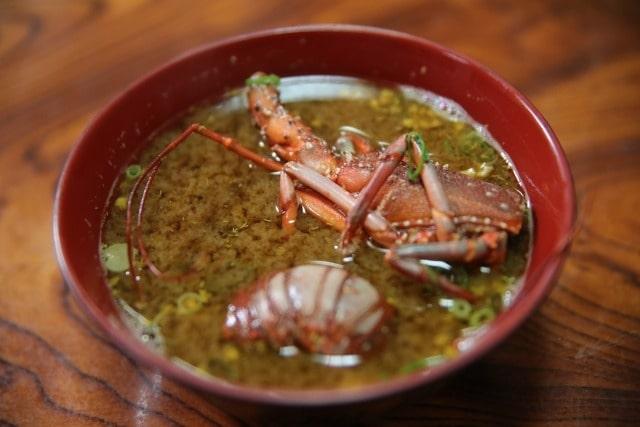 伊勢海老入り味噌汁のイメージ写真
